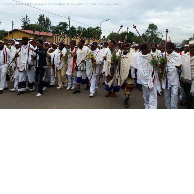 Celebration of Irreecha Oromoo 2014 (6408 according to Oromo Calendar). 5th October 2014, Horaa Harsadii, Bishoftu, Oromia. Suura9