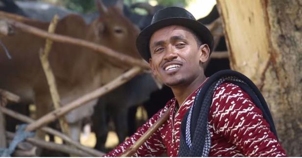 Hacaaluu Hundessa, Oromo culture music video maalan jira picture12