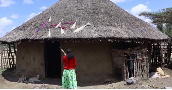 Hacaaluu Hundessa, Oromo culture music video maalan jira picture27