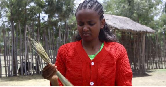 Hacaaluu Hundessa, Oromo culture music video maalan jira picture28