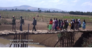 Hacaaluu Hundessa, Oromo culture music video maalan jira picture4