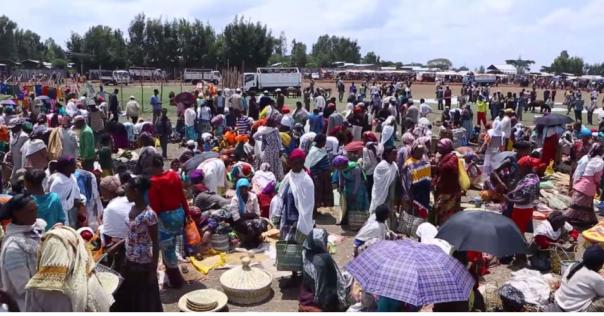 Hacaaluu Hundessa, Oromo culture music video maalan jira picture5