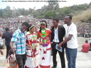 Irreecha Malkaa Oromoo Onkoloolessa 4, Bara 2015 (6409 ALO), Hora Harsadii, Bishooftuu, Oromia, 1