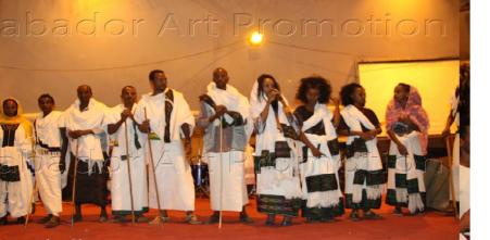 Tokkumaa Artiistoo Dubartoota Oromoo 31 Onkoloolessa 31 bara 2015 @Finfinnee, Oromoota Raayyaa waliin