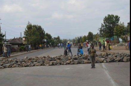 #OromoProtests @sululta, Rd Blocked at 50 locations, 17 Dec. 2015