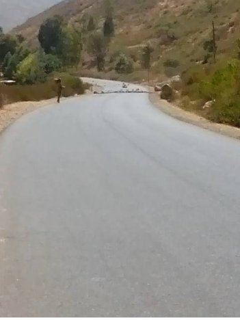 The main road connecting Addis Ababa with Eastern Region ( Harar, Dire Dawa, Jigjiga) has been closed at various villages near Hirna. 2nd January 2016, #OromoProtests