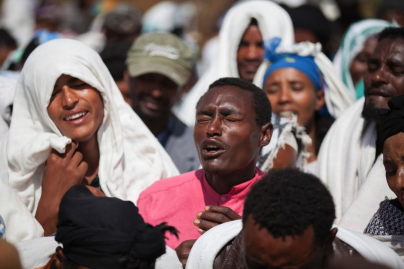 Oromo people mourn a suspected protester who was allegedly shot dead by Ethiopian security forces, Oromia, Dec. 2015