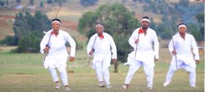 Nice Oromo pictures from Shukri Jamal's music, Bullo Boshee. p10