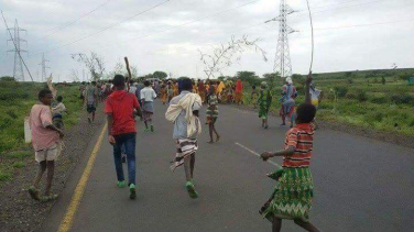 Grand #OromoProtests, Dire Qulu village, Bordade District, West Hararge, Oromia. 9 August 2016. p1