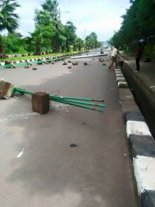 #AmharaProtests, Road blockage in Bahir Dar