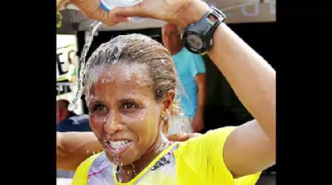 athlete-hirut-guangul-joined-the-brave-movement-as-she-won-the-womens-marathon-and-in-solidarity-with-oromoprotests-25-september-2016-this-video-is-viral-on-social-media-in-her-adoration