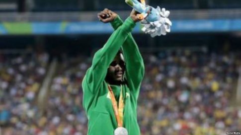 oromo-athlete-tamiru-demisse-in-solidarity-with-oromoprotests-reacts-after-the-final-of-mens-1500m-of-the-rio-2016-paralympic-he-is-the-silver-medallist