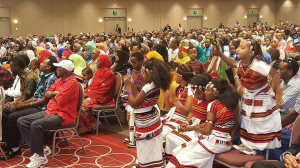 oromo-olympian-fayyisaa-leellisaa-feyisa-llilesa-draws-big-crowd-at-his-minneapolis-appearance-18-september-2016