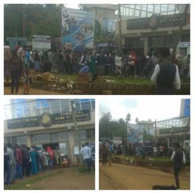 #OromoProtests, boycott business of the Woyane, bank run in Naqamte, Oromia. 3 september 2016. p3
