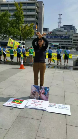 oromoprotests-in-south-korea-an-oromo-woman-stands-solidarity-with-oromo-protests-24-september-2016