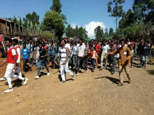 Irreecha 2017 at Malkaa Qar Sadee Abuunaa, Gindabarat, Oromia 22nd October 2017 (6411 ALO)