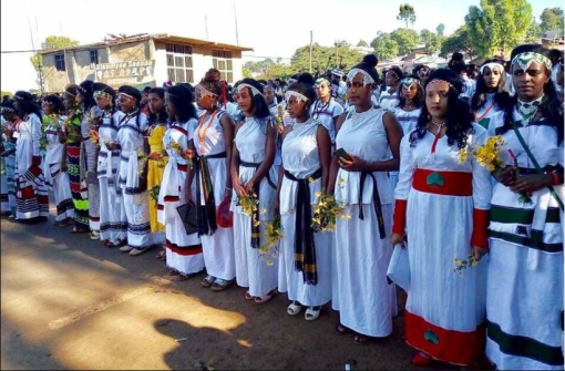 Irreecha 2017 celebrated at Malkaa Hadiyyaa in city of Naqamtee, E. Wallaggaa, Oromia, 29 October 2017 with peaceful Oromia Police and TPLF mass killer Agazi was not at the event.png