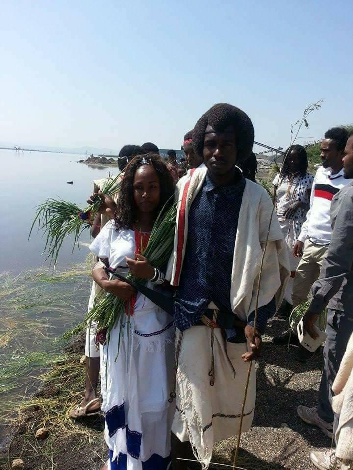 Irreecha Birraa Oromo 2017, Malkaa Basaqaa, Fantallee, Oromia, 8 October 2017.png