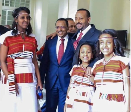 Dr. Abiy Ahmed and  daughters in  Oromo national, as he sworn as Ethiopia prime minister, 2nd April 2017.png