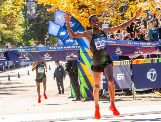 Oromo Athlete Lelisa Desisa Wins the 2018 New York City Marathon in a Sprint Finish.png